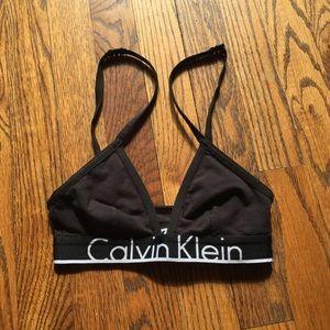 NWOT Calvin Klein sports bra
